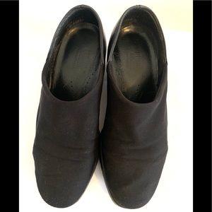 Munro American Made black stretch shoe size 8.5WW